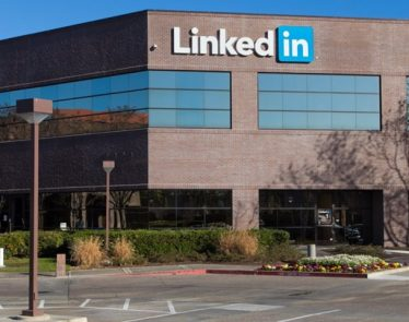 LinkedIn's Free Tinder-Like Mentorship