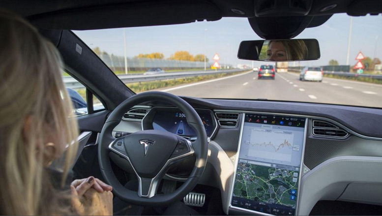 Tesla fully autonomous cars