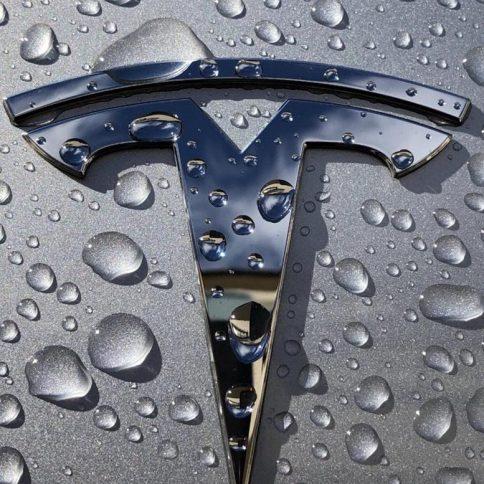 Teslaall-electric semi-truck